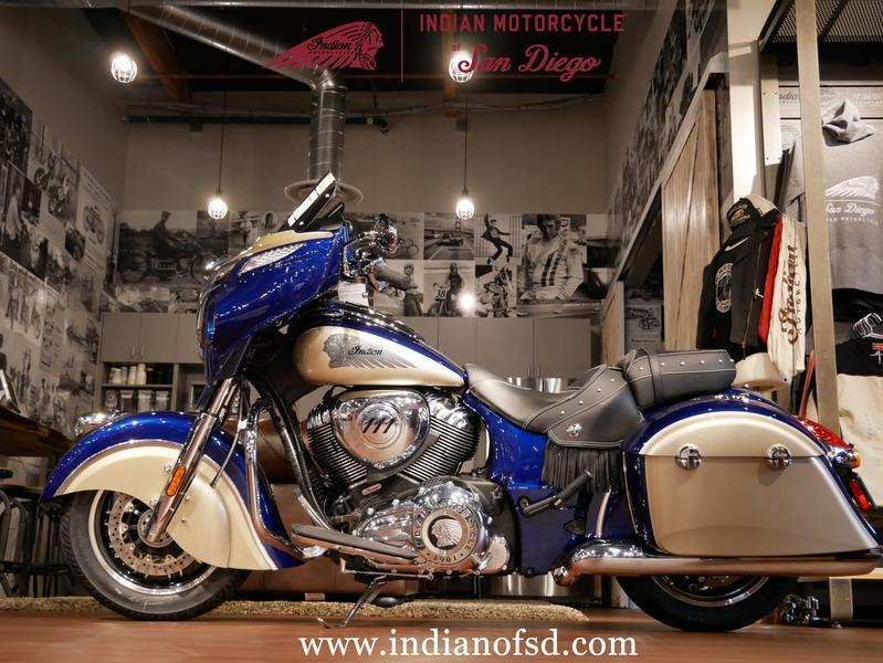 131-indianmotorcycle-chieftainclassicdeepwatermetallic-dirttracktan-2019-6027562