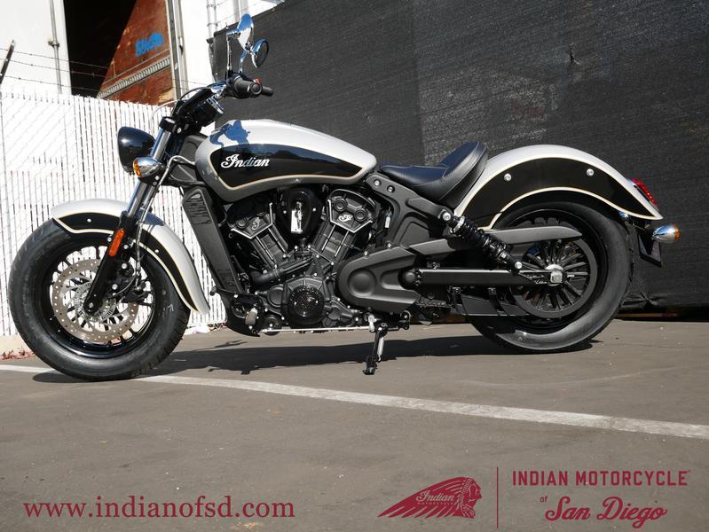 208-indianmotorcycle-scoutsixtyabsstarsilver-thunderblack-2019-6232458