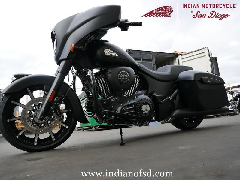 572-indianmotorcycle-chieftaindarkhorsethunderblacksmoke-2019-7057174