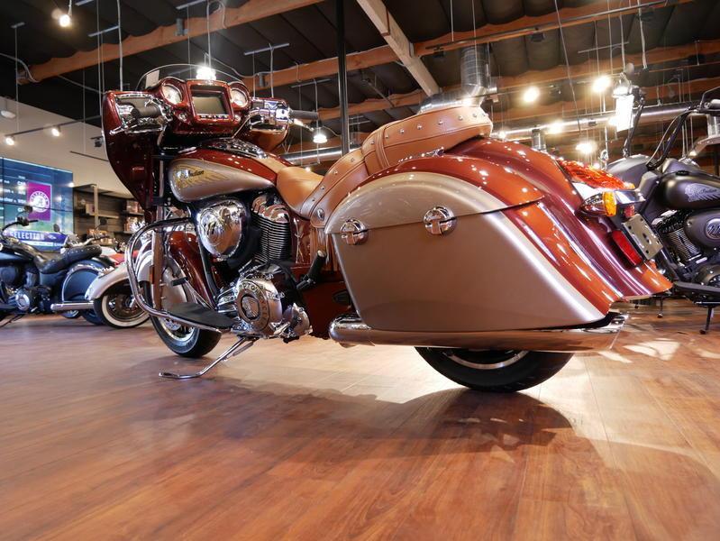 591-indianmotorcycle-chieftainclassiciconseriesburnishedmetallic-sandstonemetallic-2019-7057175