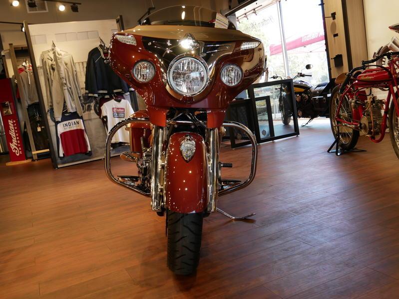 595-indianmotorcycle-chieftainclassiciconseriesburnishedmetallic-sandstonemetallic-2019-7057175