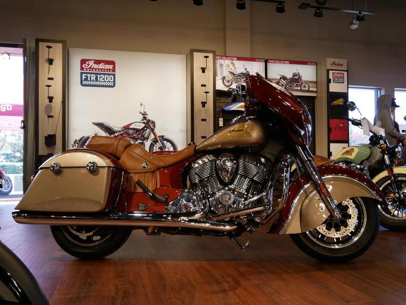 597-indianmotorcycle-chieftainclassiciconseriesburnishedmetallic-sandstonemetallic-2019-7057175