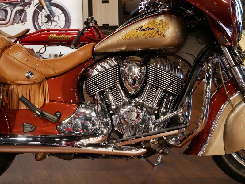 598-indianmotorcycle-chieftainclassiciconseriesburnishedmetallic-sandstonemetallic-2019-7057175