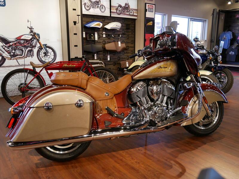 600-indianmotorcycle-chieftainclassiciconseriesburnishedmetallic-sandstonemetallic-2019-7057175