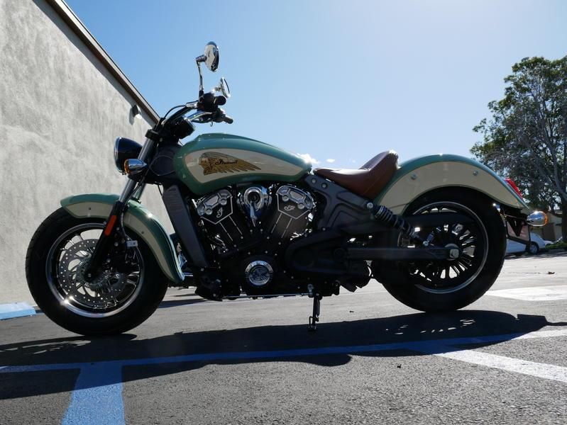 627-indianmotorcycle-scoutabswillowgreen-ivorycream-2019-7109450