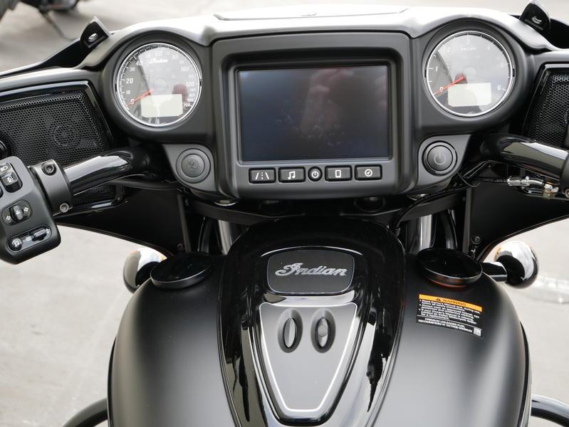 658-indianmotorcycle-chieftaindarkhorsethunderblacksmoke-2019-7109452